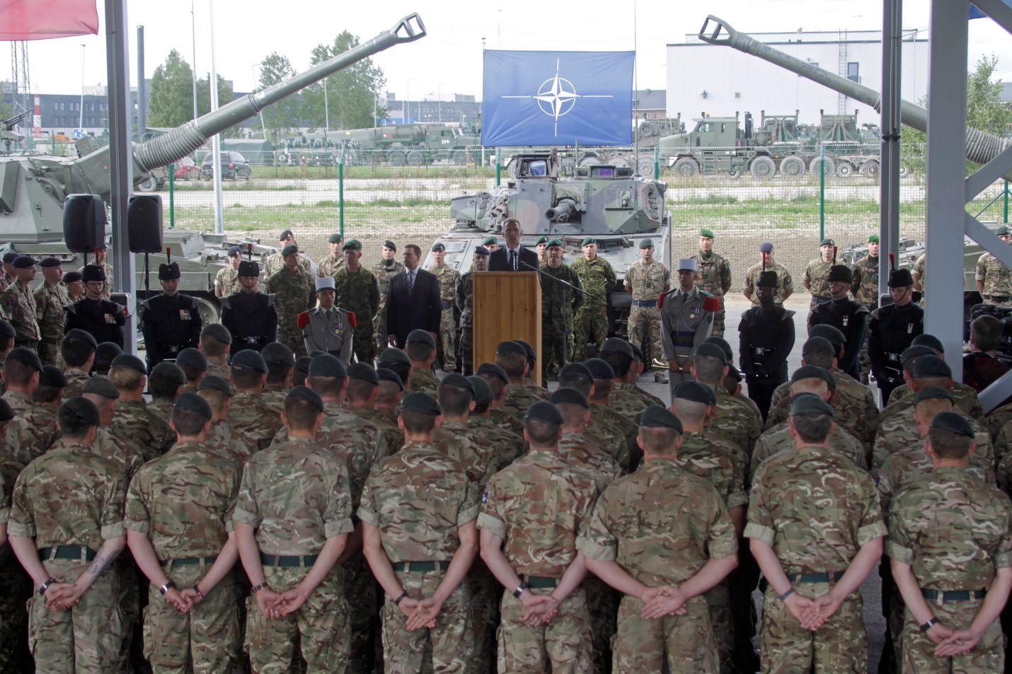 Suomalaisista joka toinen vastustaa Nato-jäsenyyttä. Kolmen eri median kyselyyn vastasi kesäkuun alussa reilut 1 000 kansalaista, jotka ovat iältään 15–74-vuotiaita.