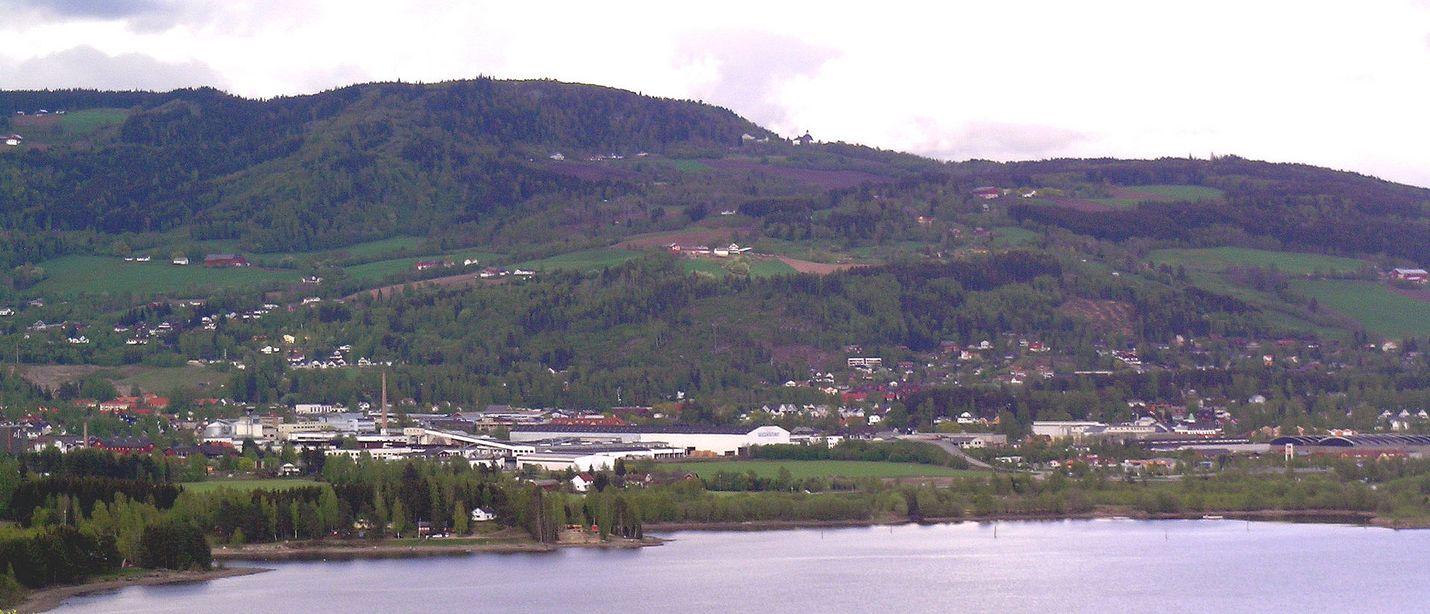 Oslon pohjoispuolella sijaitsevassa Brumunddalissa tulvii pahoin. Arkistokuva.