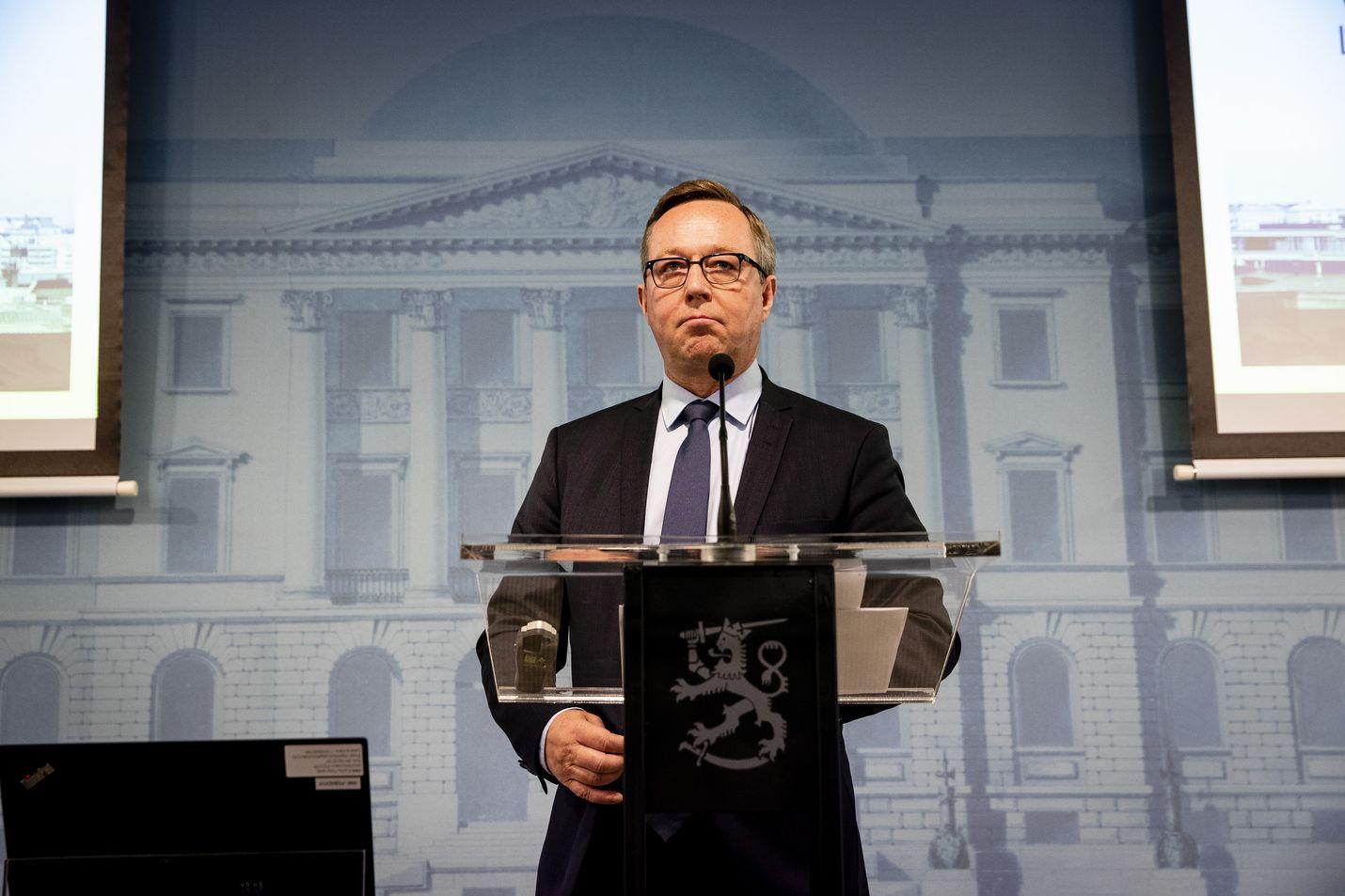 Valtiovarainministeri Mika Lintilä esitteli keskiviikkona budjettia valtioneuvoston tiedotustilassa.