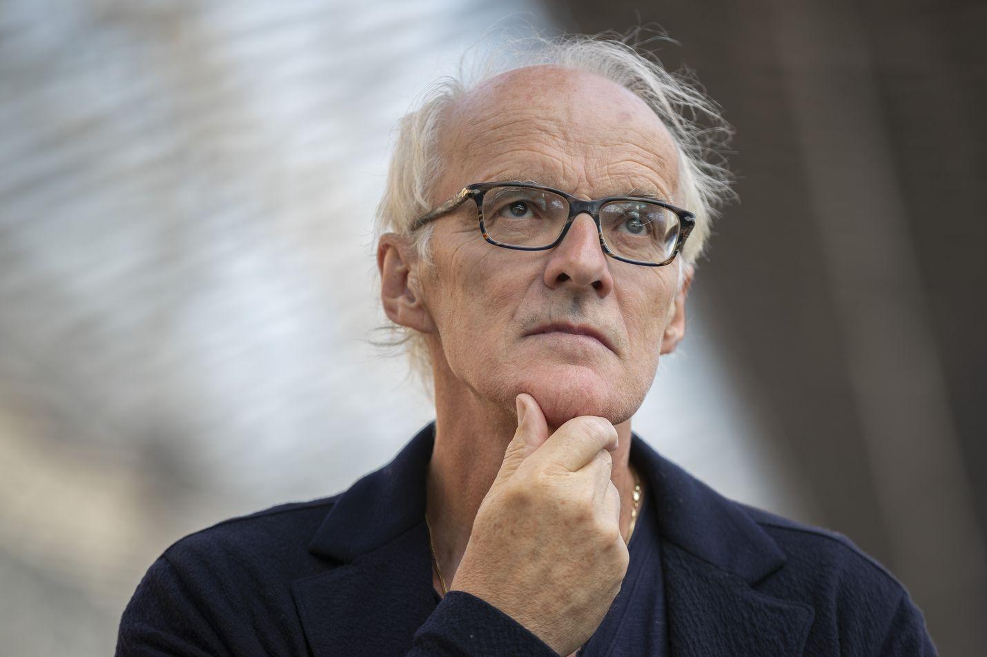 Työoikeuden emeritusprofessori Seppo Koskinen Turun yliopistosta toivoo korkeimman oikeuden ratkaisua siitä, saako työnantaja leikata työntekijöiden palkkoja yrityksen voiton kasvattamiseksi.