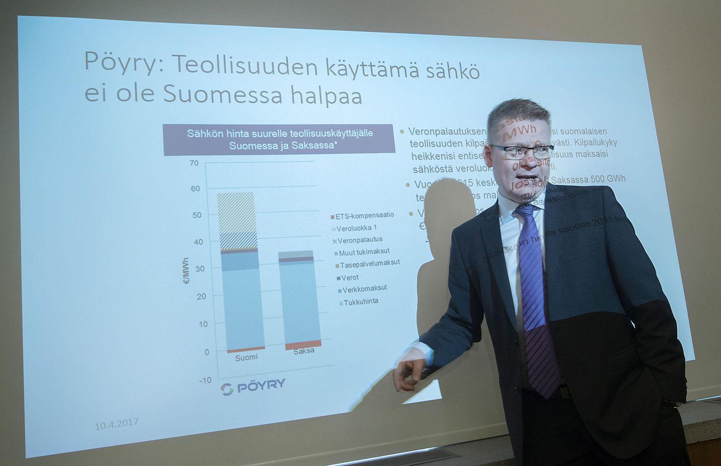 Metsäteollisuus ry:n toimitusjohtaja Timo Jaatinen toivoo hallitukselta selkeää näkemystä puun saatavuudesta ja panostuksista tavaraliikenteen tie- ja rataverkkoon.