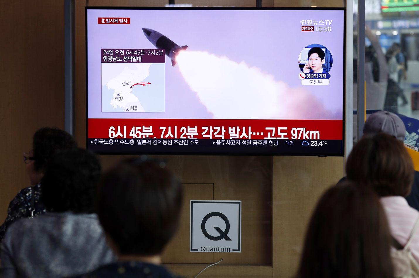 Eteläkorealaiset katsoivat taas lauantaina uutislähetystä pohjoisen naapurinsa ohjuslaukaisuista.
