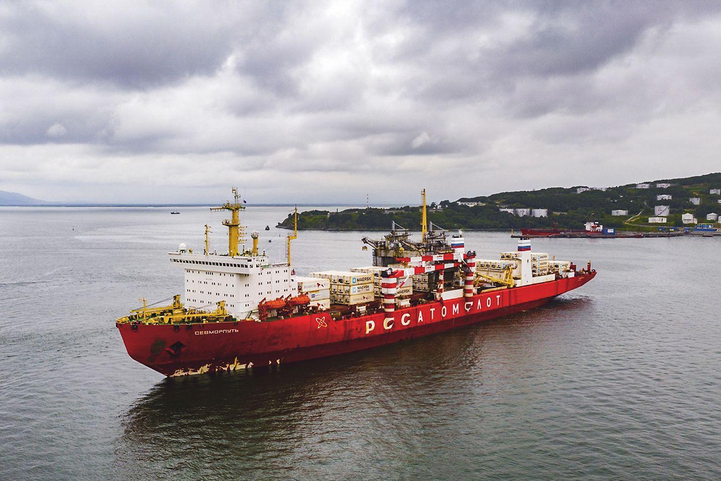 Tyynenmeren kalalla Petropavlovskissa lastattu Sevmorput on Itämerellä ensimmäistä kertaa. Stuk seuraa aluksen kulkua.