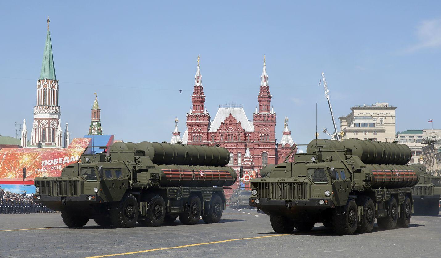 Venäjä esitteli S-400-torjuntaohjuksiaan Voitonpäivän paraatissa Moskovan Punaisella torilla toukokuussa 2018.
