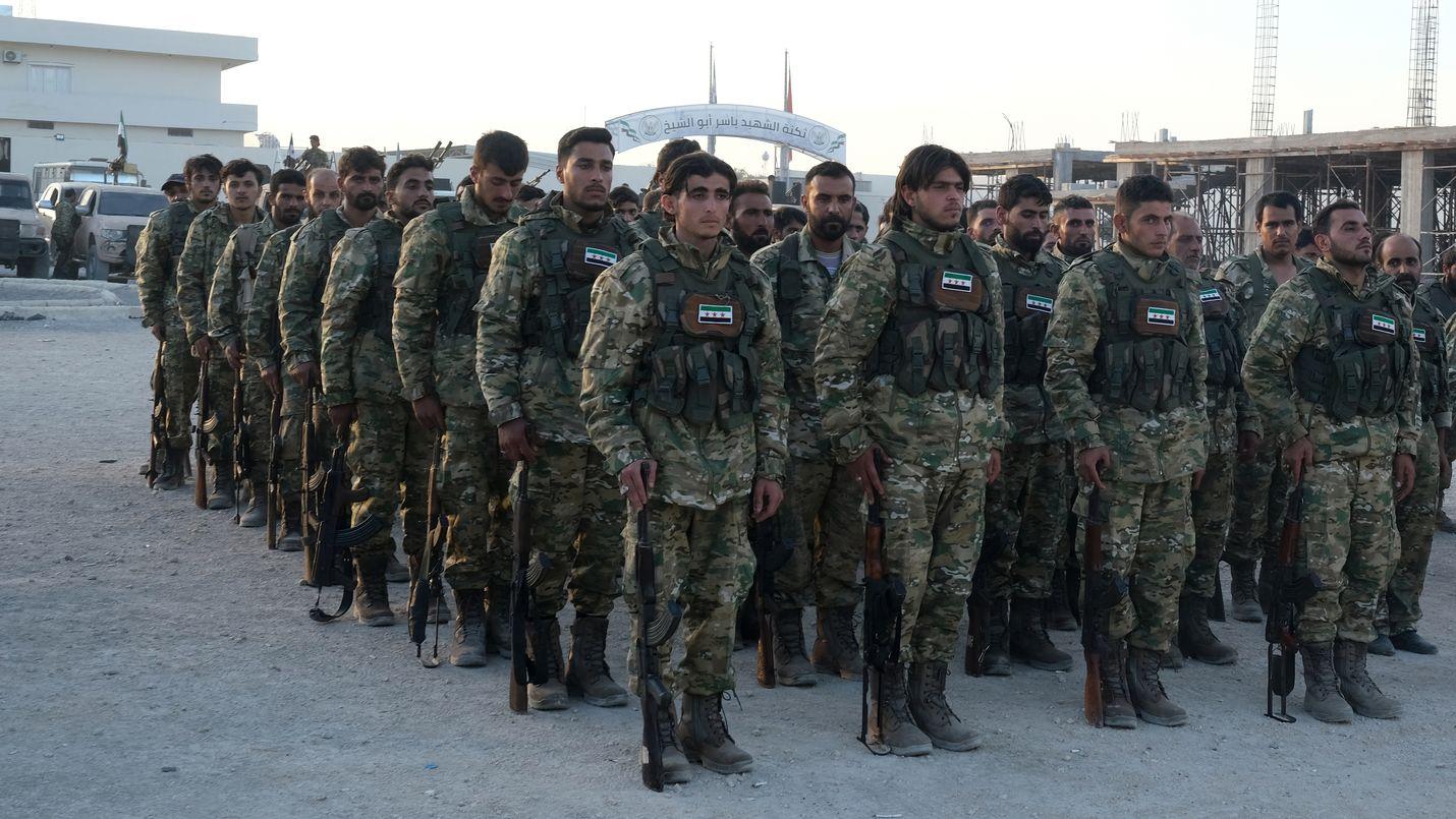 Turkki käyttää maataisteluissa todennäköisesti sijaisjoukkoja eli Syyrian oppositioon kuuluvia joukkoja, jotka ovat Turkki-mielisiä. Näin Turkki pyrkii minimoimaan omien joukkojensa altistumista maataisteluihin.