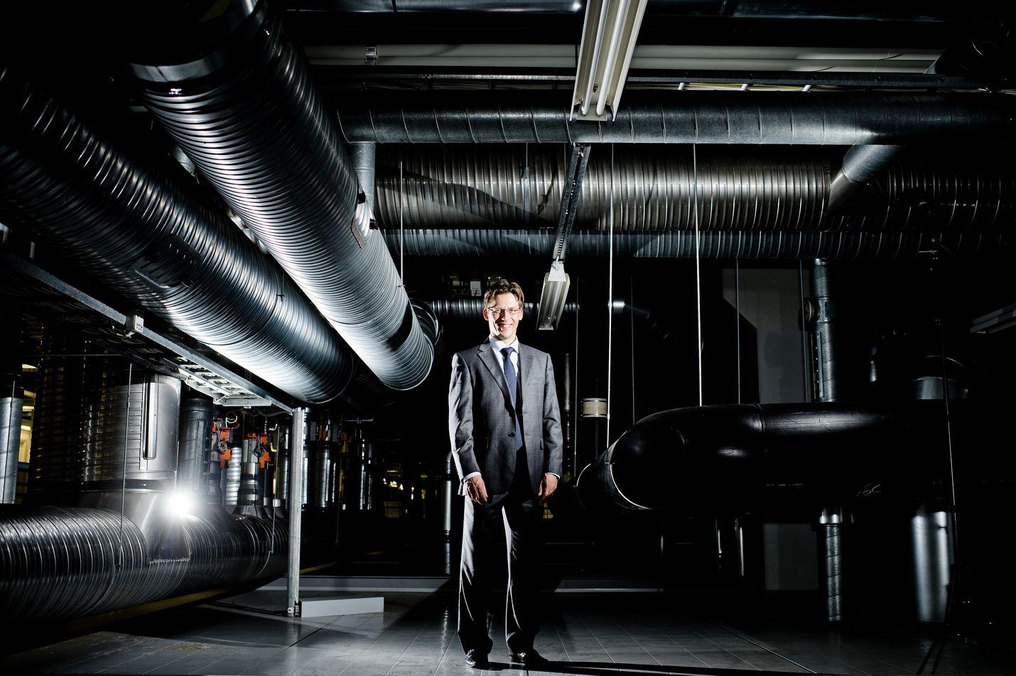 Säteilyturvakeskuksen pääjohtaja Petteri Tiippana sanoo, että kolmen yksikön siirtäminen uudeksi osastoksi ja uuden johtajan alaisuuteen kertoo yksiköiden työn merkityksestä.