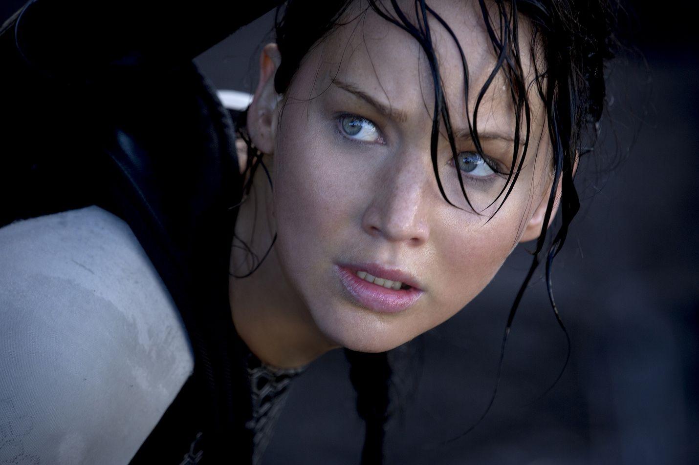 Nälkäpeli-elokuvasarjan toisessa osassa Jennifer Lawrence esittää Katniss Everdeenia.