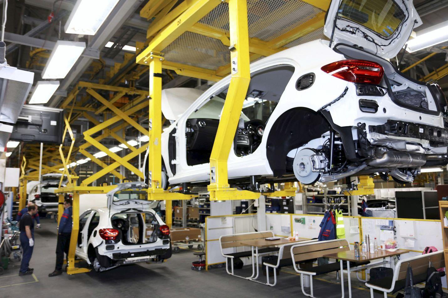 Mercedes-Benzin A-sarjan puolivalmiita aihiota kuvattuina Uudenkaupungin-tehtaalla keväällä 2018.