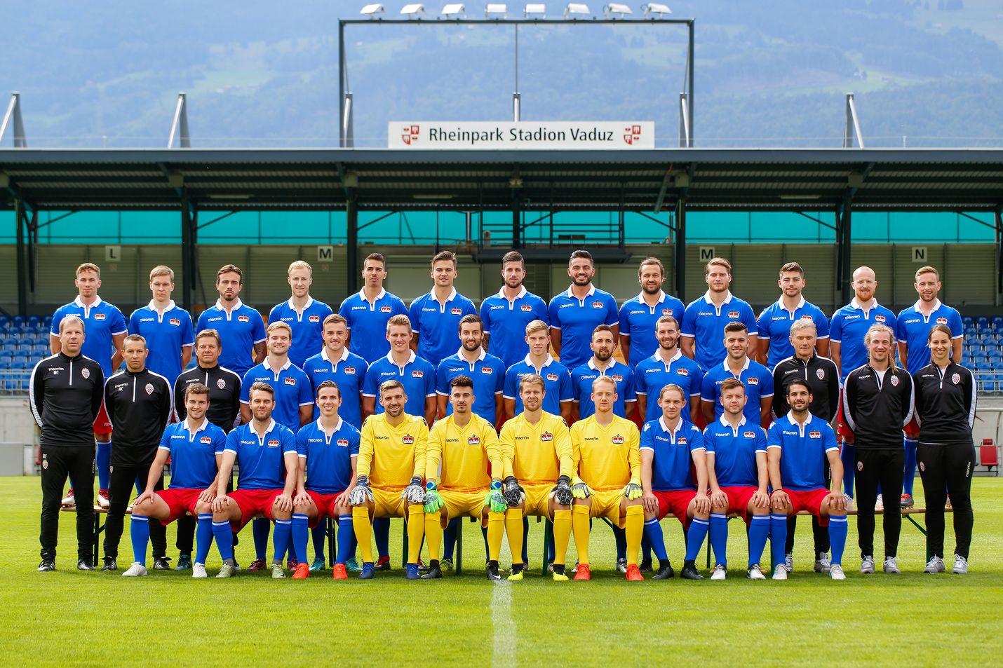 Liechtensteinin miesten jalkapallomaajoukkuetta kutsutaan punasinisiksi. Joukkueen kotikenttä on Rheinpark Stadion maan pääkaupungissa Vaduzissa.