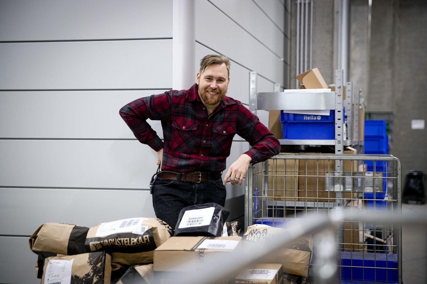 Varustelekan perustaja Valtteri Lindholm sanoo, että onnistunut verkko-ostaminen vaatii viitseliäisyyttä niin verkkokaupan pyörittäjältä kuin kuluttajalta.
