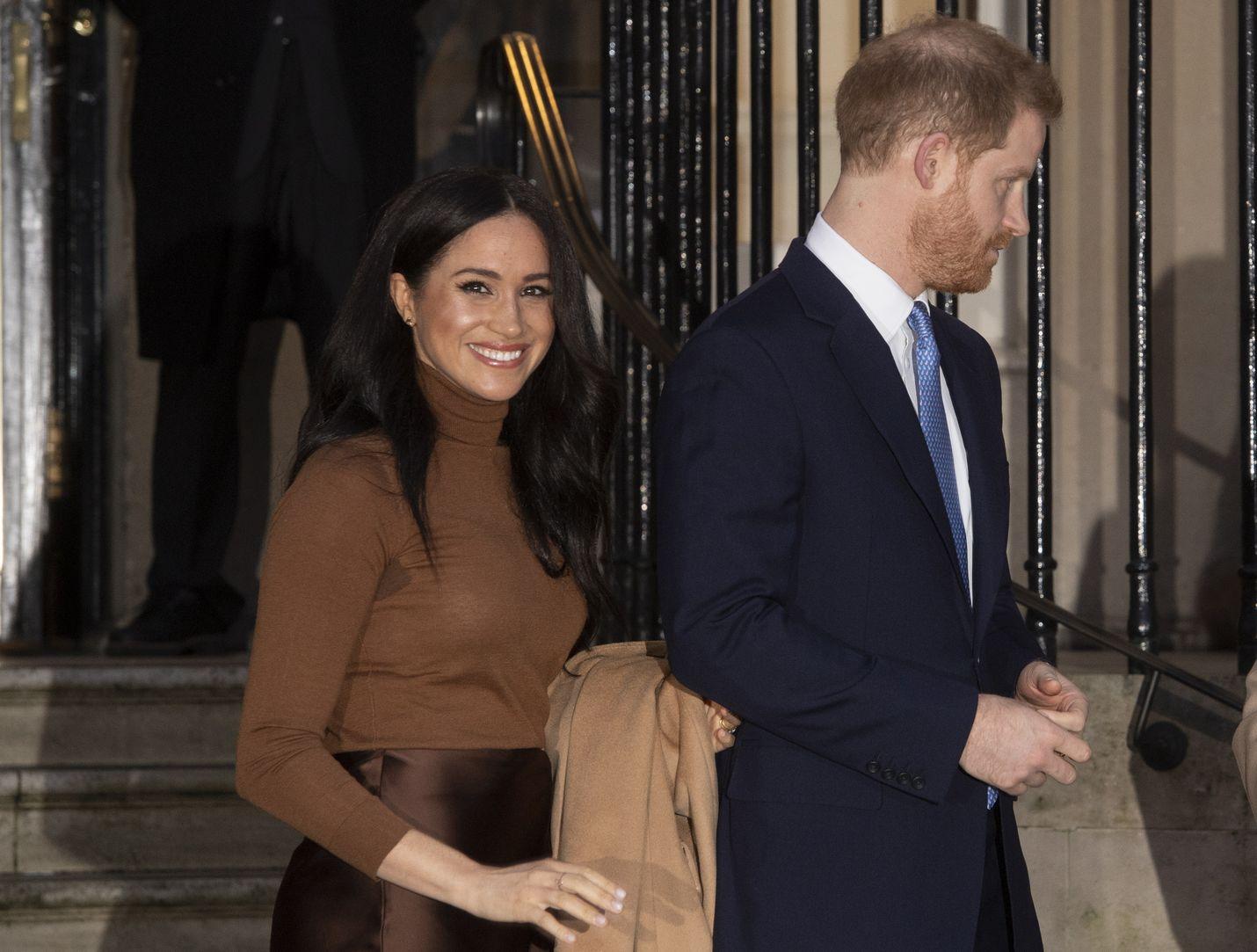 Sussexin herttuatar Meghan ja prinssi Harry haluavat olla jatkossa taloudellisesti riippumattomia kuningashuoneesta.
