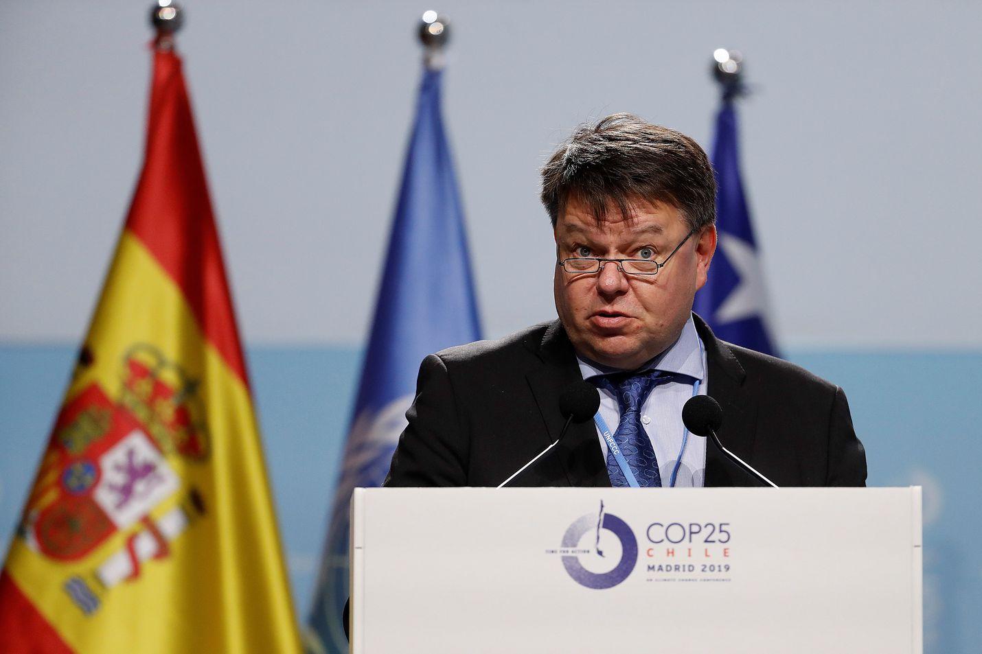 Maailman ilmatieteen järjestön WMO:n pääsihteeri Petteri Taalas puhui Madridin ilmastokokouksessa joulukuussa. Taalas sanoo sään ääri-ilmiöiden jatkuvan tiheänä nyt alkaneella vuosikymmenellä.