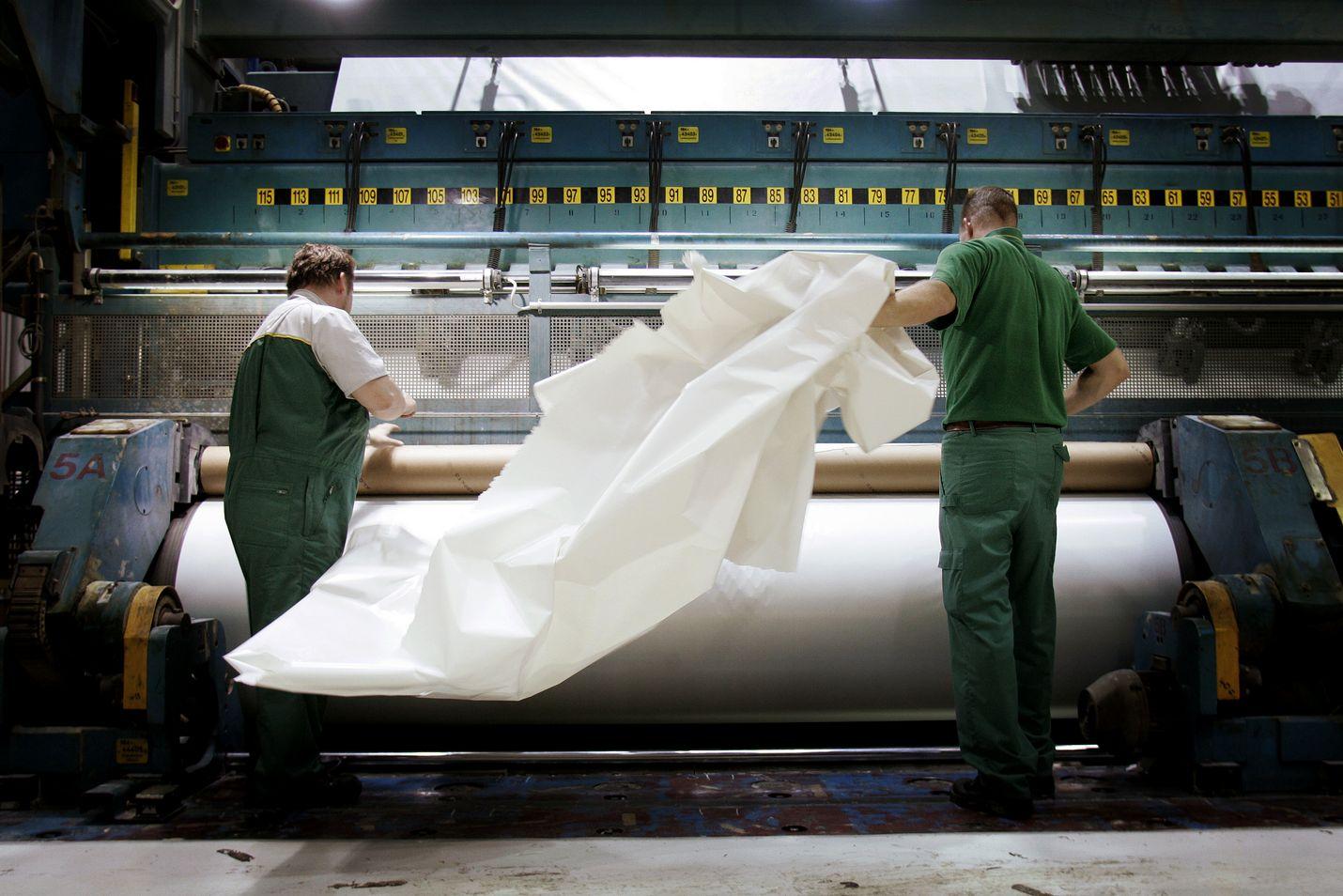 Paperitehtaat sulkeutuvat viimeistään maanantaina aamulla, kun metsäteollisuuden lähes kokonaan pysäyttävä laaja lakko alkaa.