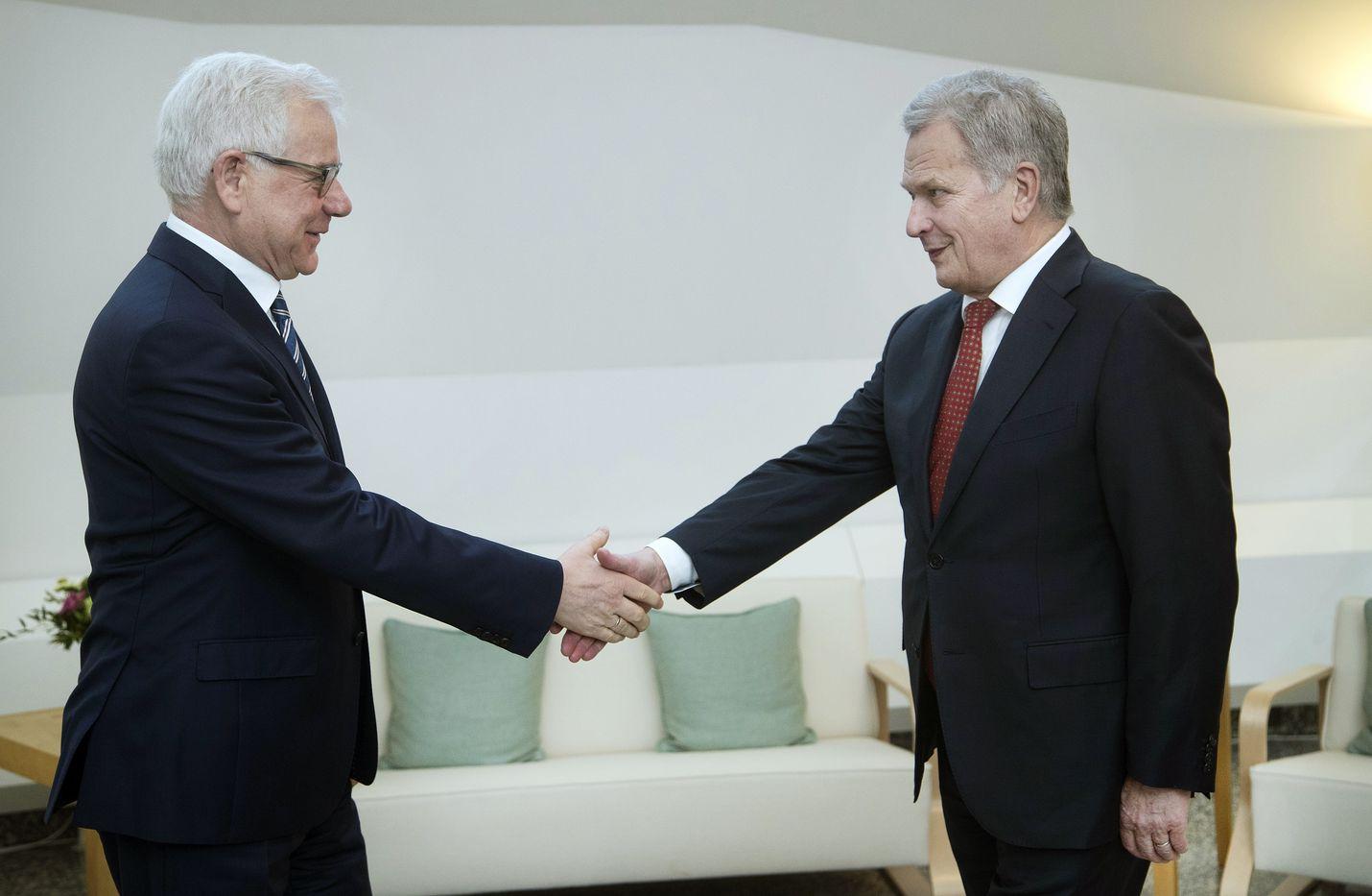 Puolan ulkoministeri Jacek Czaputowicz (vas.) tapasi torstaina presidentti Sauli Niinistön Mäntyniemessä.