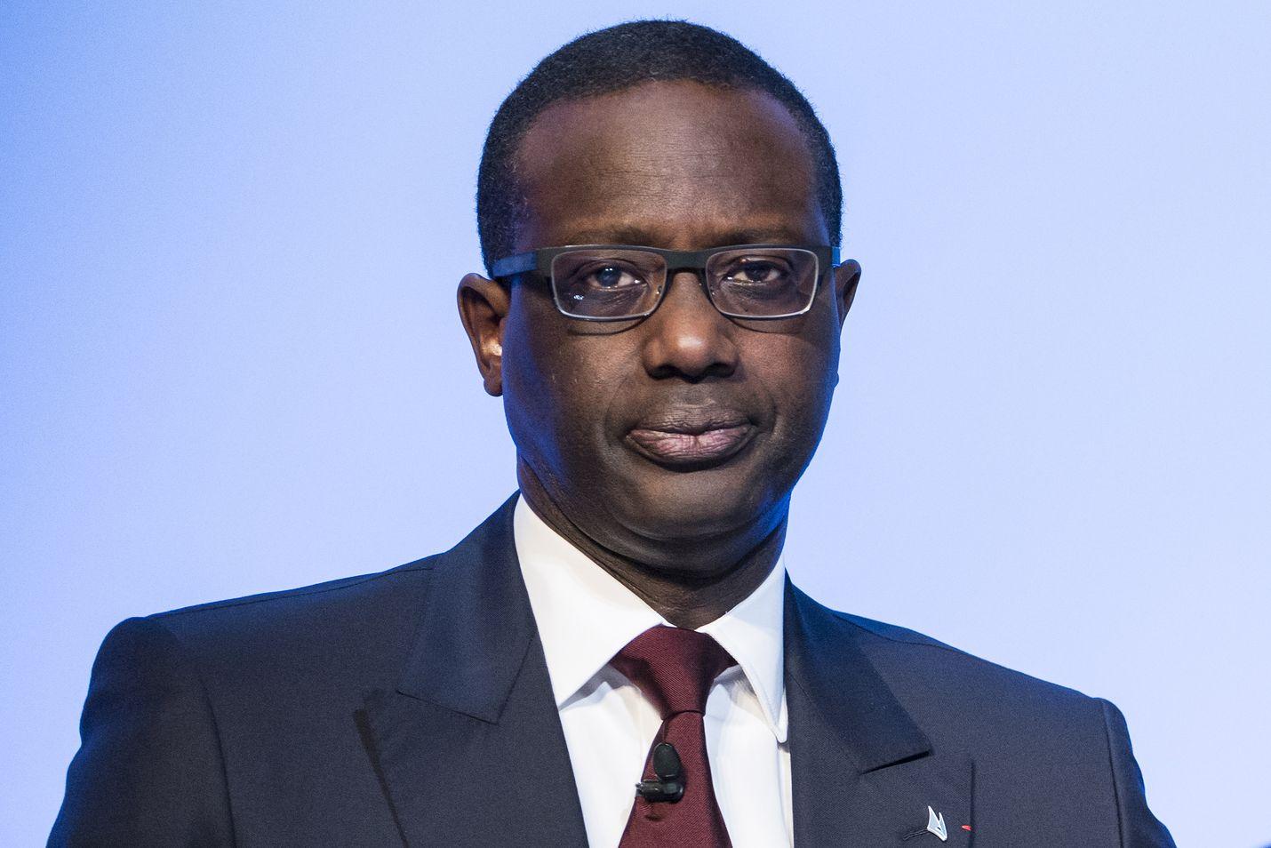 Sveitsin toiseksi suurimman pankin Credit Suissen pääjohtaja Tidjane Thiam joutui eroamaan vakoilun takia.