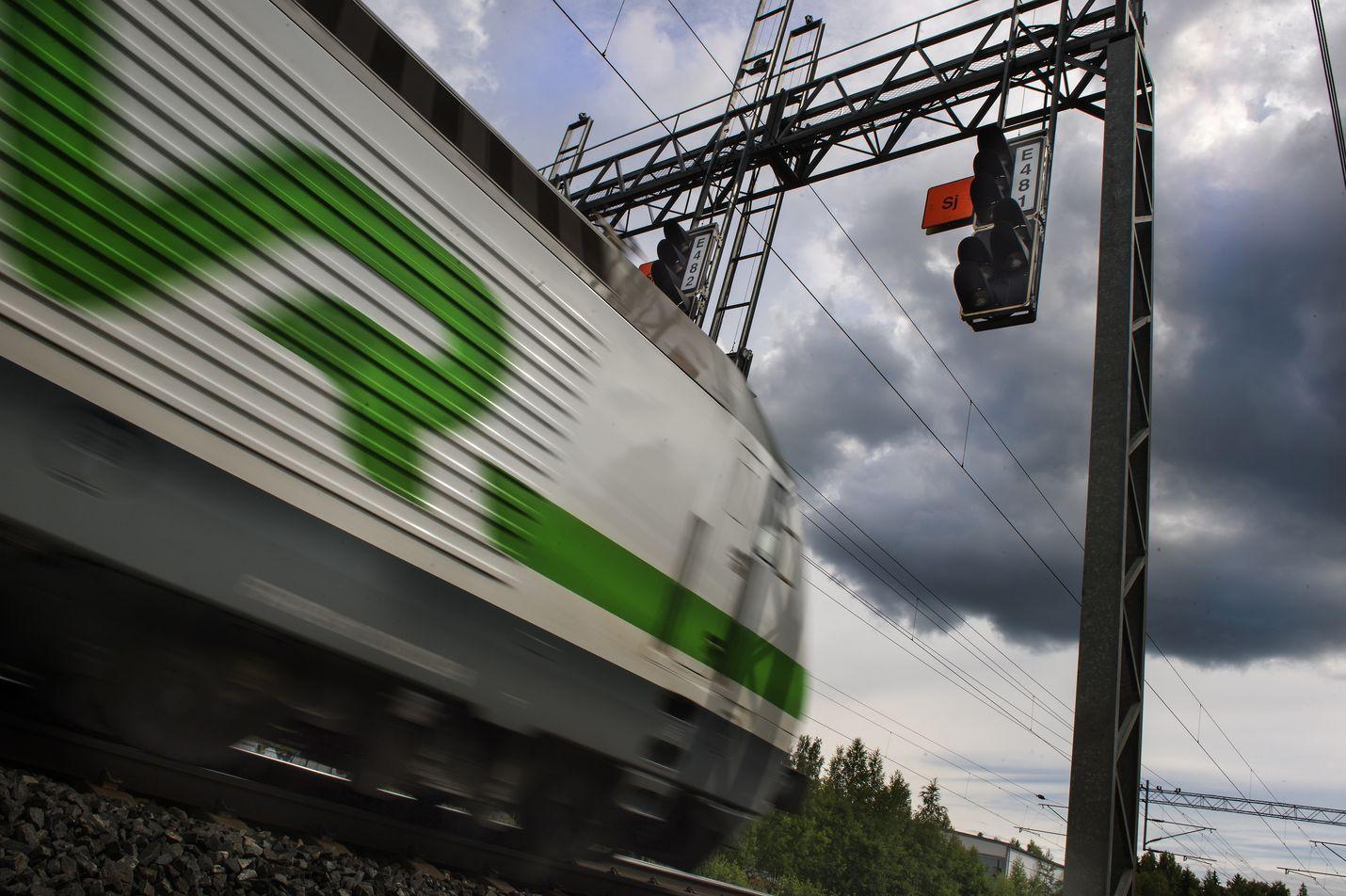 Turun tunnin juna valmistumisarvio on nyt vuoden 2031 loppu. Helsingin ja Tampereen välinen nykyistä nopeampi liikenne voisi alkaa vuonna 2036.