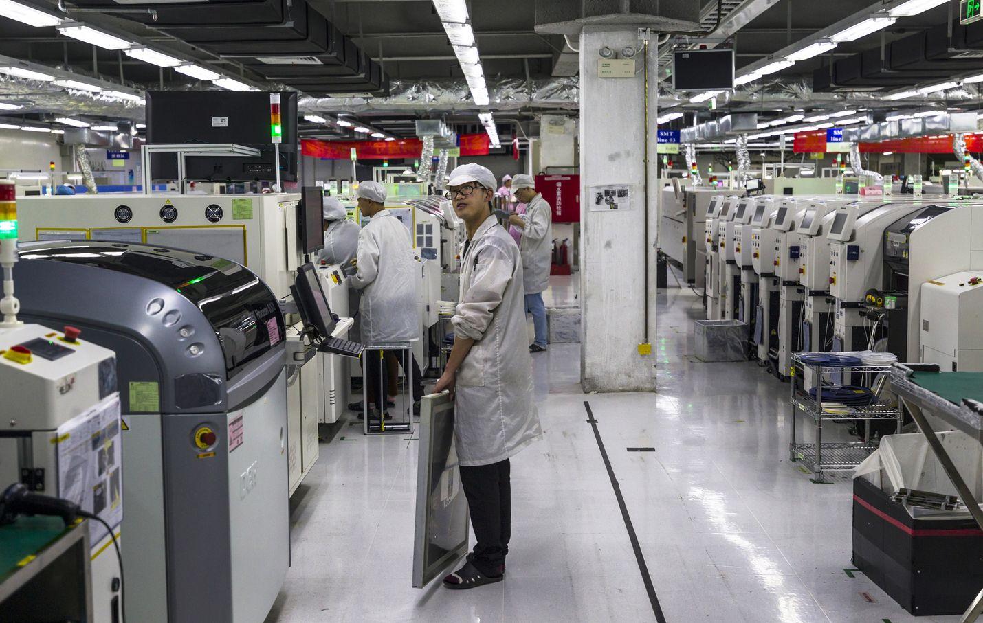 Foxconnin tehdas Kiinan Guiyangissa valmistaa osia Applen ja muiden johtavien IT-yritysten laitteisiin. Tuotantoketjut voivat häiriintyä, kun Foxconn saattaa pidentää tehtaiden sulkua käynnissä olevan koronavirusepidemian takia.