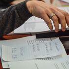 Lopullinen tulos ääntenlaskijoiden allekirjoittamana.