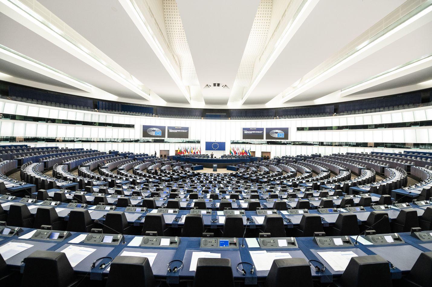 Euroopan parlamentin istuntosali Strasbourgissa on tänäänkin tyhjä.