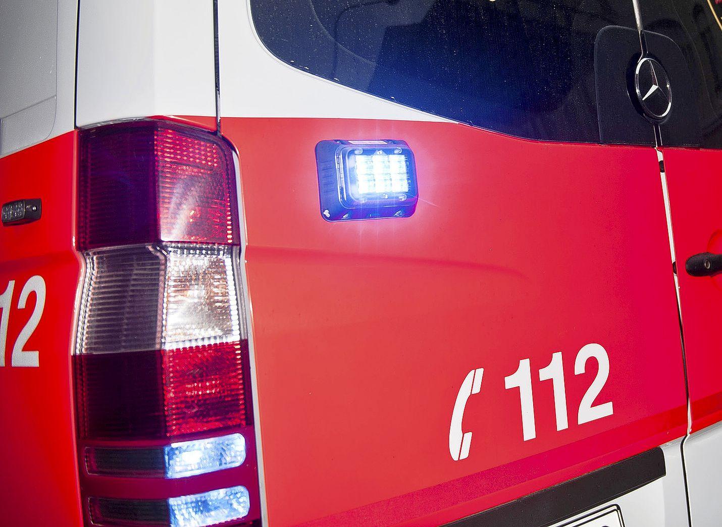 Hätänumero on tarkoitettu kiireellisiä hätätilanteita varten.