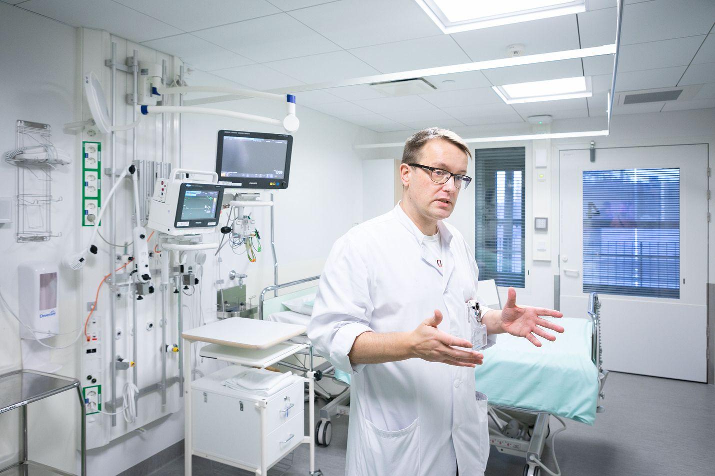 Petrus Säilän mukaan ei ole varmaa tietoa, miksi joidenkin ihmisten elimistöt ylireagoivat viruksiin. Arkistokuva.