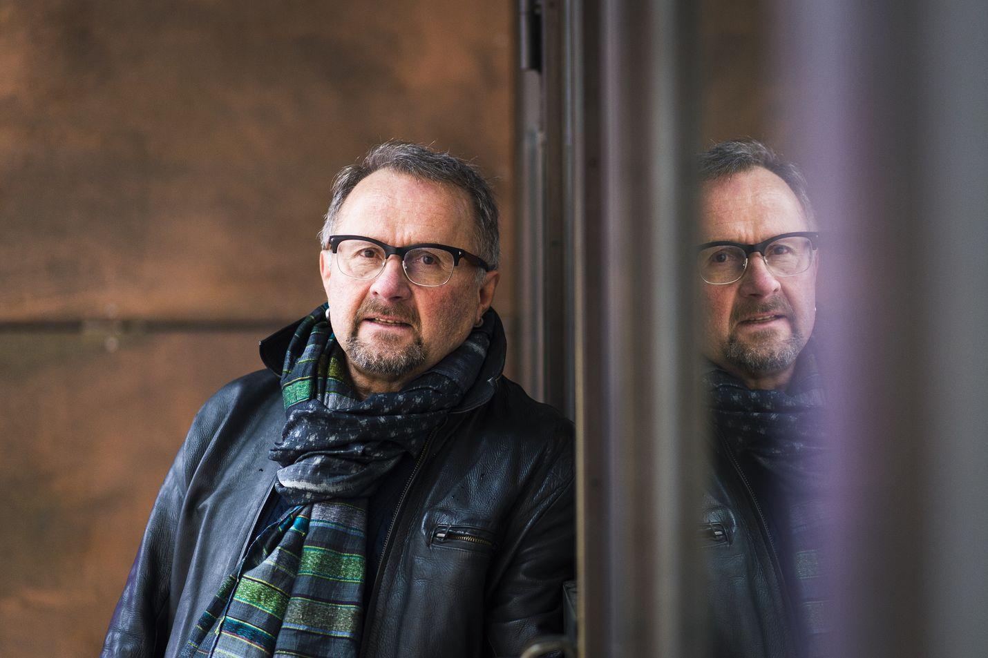Vielä pitää odottaa. Seppo Fränti lahjoitti laajan taidekokoelmansa Kiasmalle. Siitä koostetun näyttelyn piti aueta maaliskuun lopussa, mutta ovet ovat toistaiseksi säpissä koronapandemian takia.