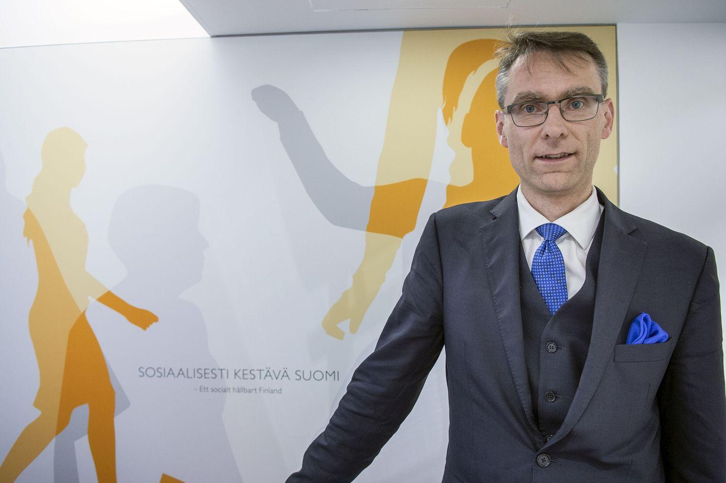 Oikeuskansleri Tuomas Pöysti pitää mahdollisena, että suojamaskien hankinta poikii lisää kanteluja.