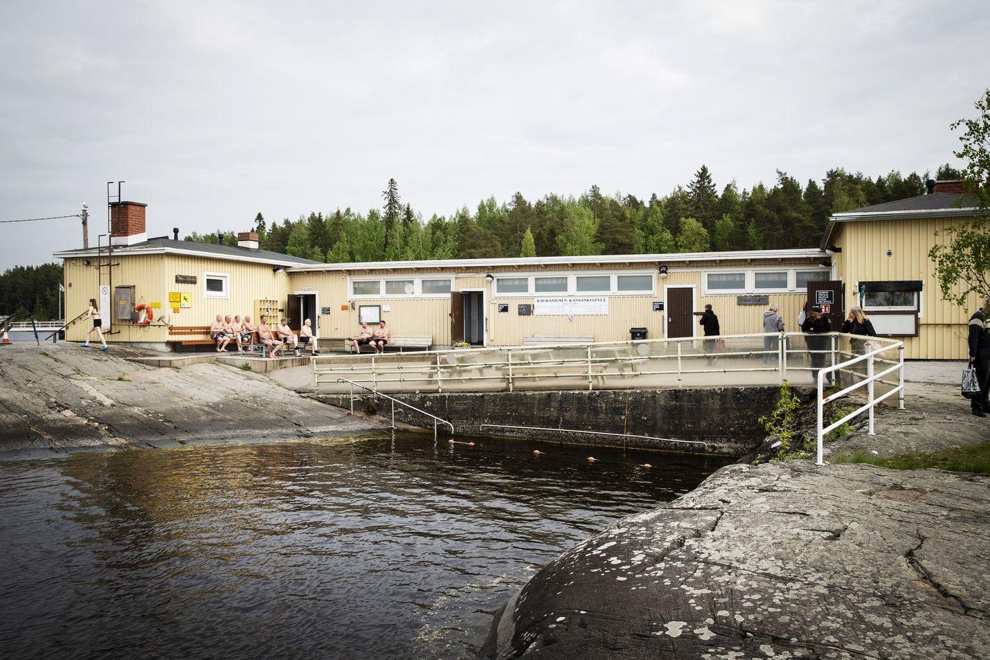 Meillä suomalaisille niin rakas sauna, oli se sitten puulämmitteinen, sähkö- tai infrapunasauna unohtamatta savusaunan lempeitä löylyjä.