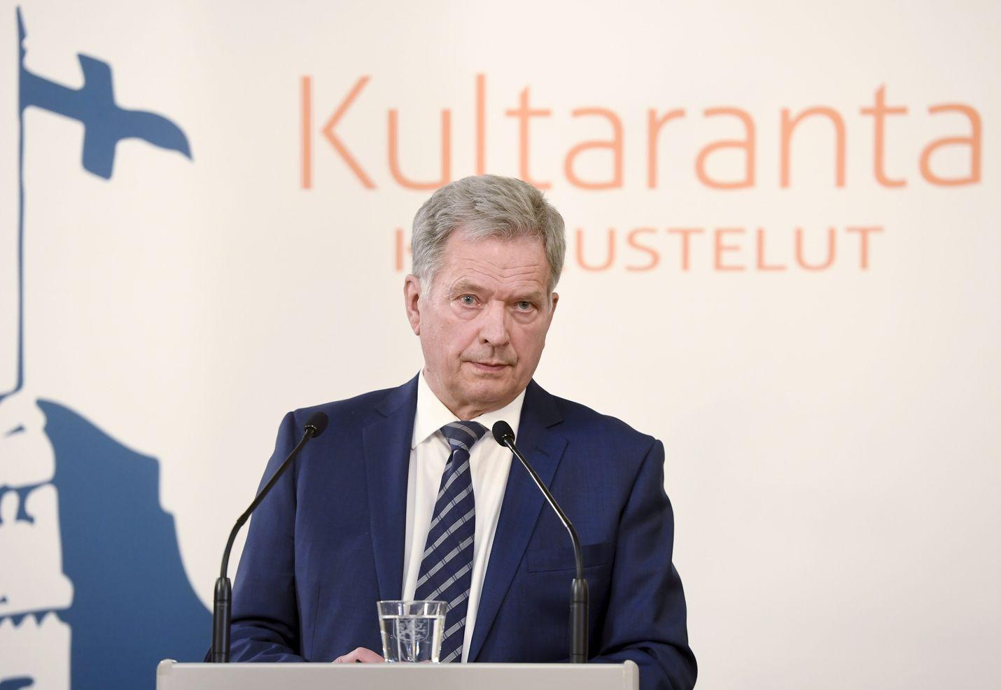 Tasavallan presidentti Sauli Niinistö oli median haastateltavana ennen sunnuntaina järjestettäviä Kultaranta-keskusteluja.