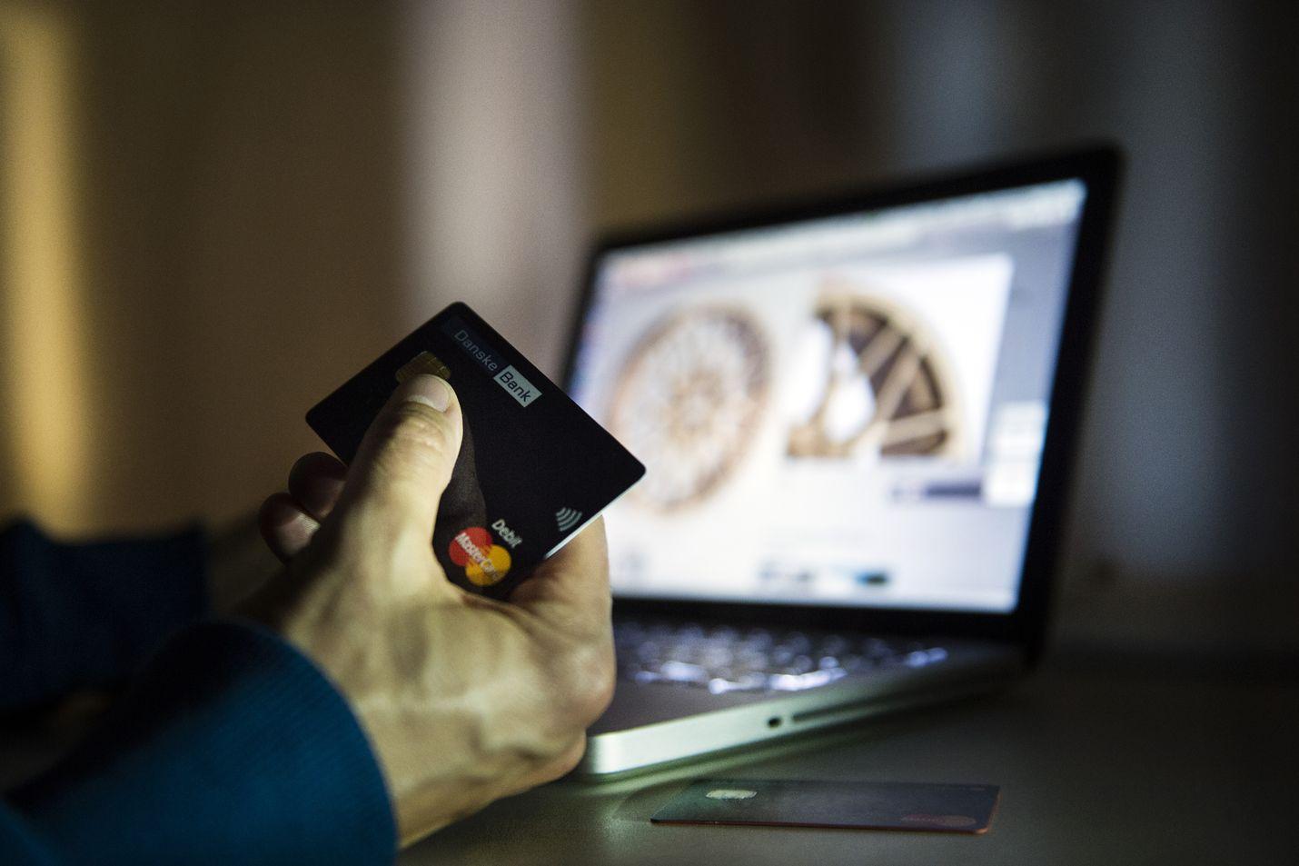 Kohtuuttoman kalliit kulutusluottokustannukset on mahdollista viedä myös kuluttajariitalautakuntaan. Jos taas luotonantaja on vienyt saatavia käräjäoikeuteen, yksittäinen kuluttajakin voi vaatia sovittelua.