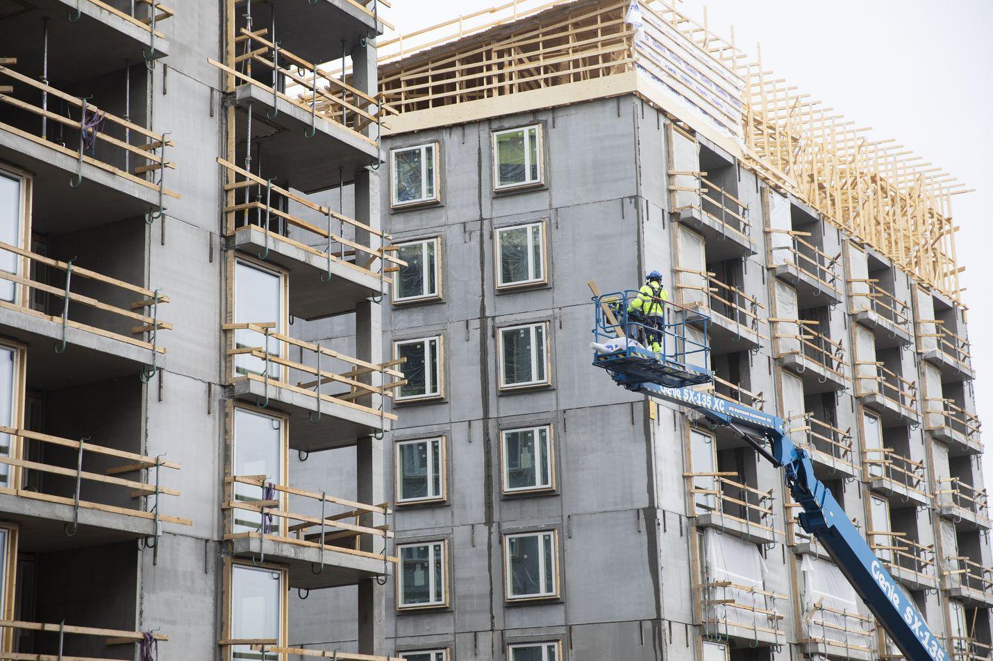 Rakennusteollisuuden yritykset arvioivat, että tämän vuoden asuntoaloitukset ovat kutistuneet peräti 25 prosenttia koronakriisiä edeltävään aikaan verrattuna