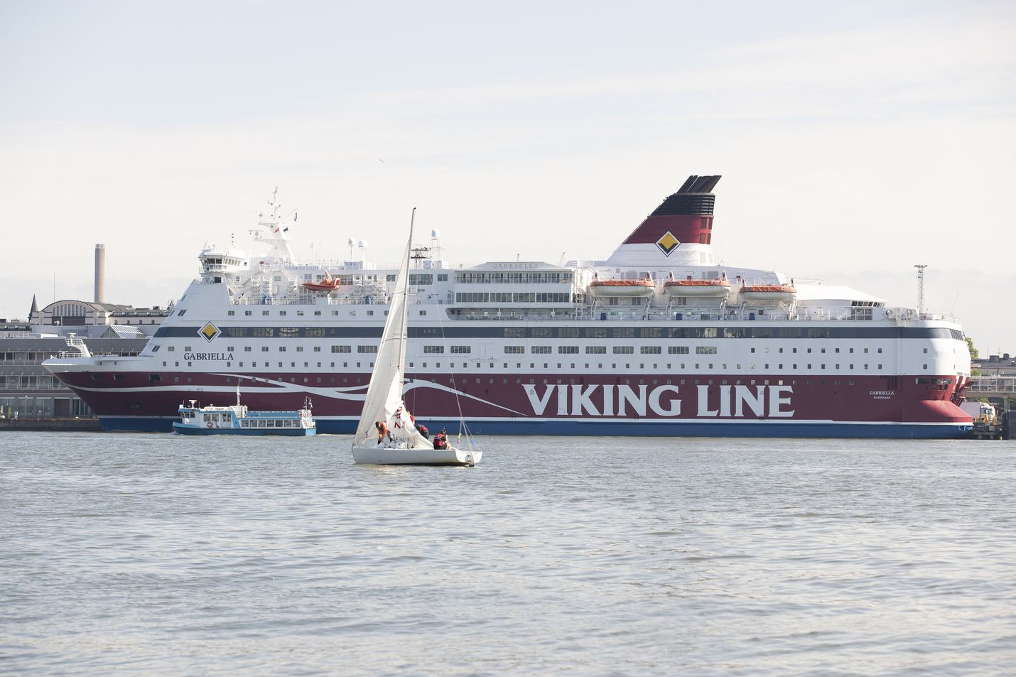 Laivayhtiöt kehittävät matkustusrajoitusten takia uusia reittejä kesäsesongiksi. Sekä Viking Line että Tallink risteilevät Helsingistä Maarianhaminaan.