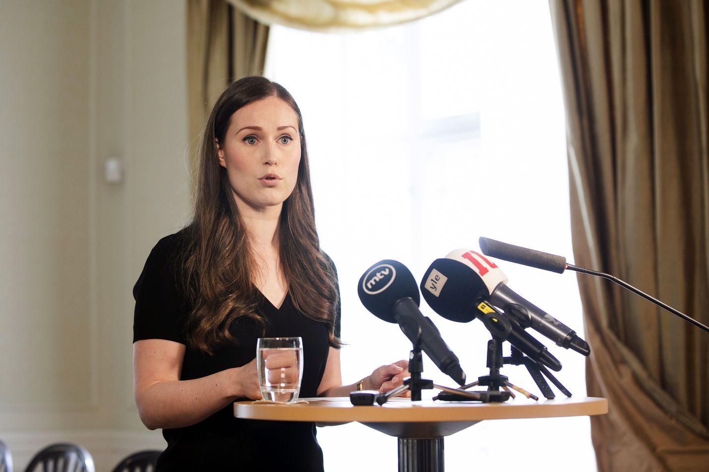 Pääministeri Sanna Marin (sd.) esitteli EU-huippukokouksen tuloksia keskiviikkona virka-asunnollaan Kesärannassa.