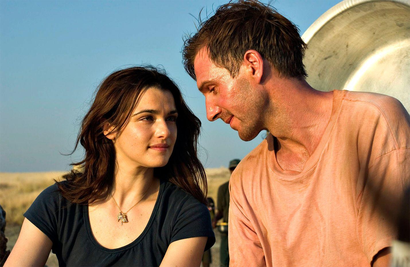 Hienostuneessa trillerissä brittidiplomaatti (Ralph Fiennes) tutkii vaimonsa (Rachel Weisz) salaperäistä kuolemaa Keniassa ja löytää salaliiton.