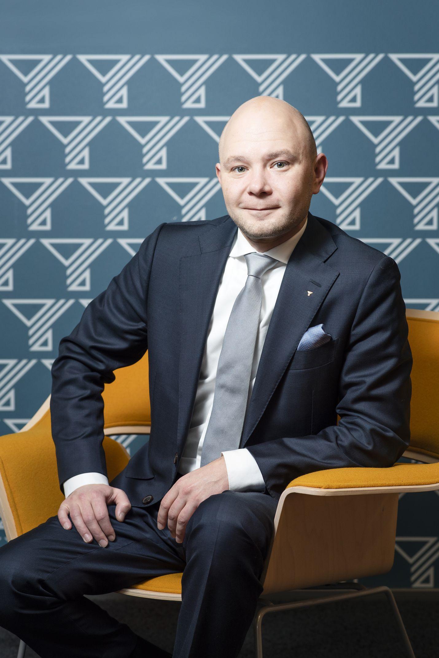 Petri Salminen ilmoittautui ensimmäisenä jo helmikuussa ehdokkaaksi SY:n puheejohtajaksi.