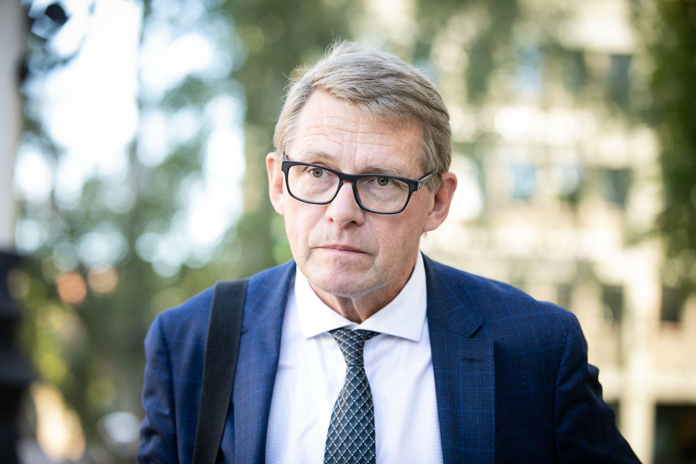 Valtiovarainministeri Matti Vanhanen painottaa, että budjettineuvotteluissa pitää nyt palata menotasolle, josta on sovittu hallitusneuvotteluissa