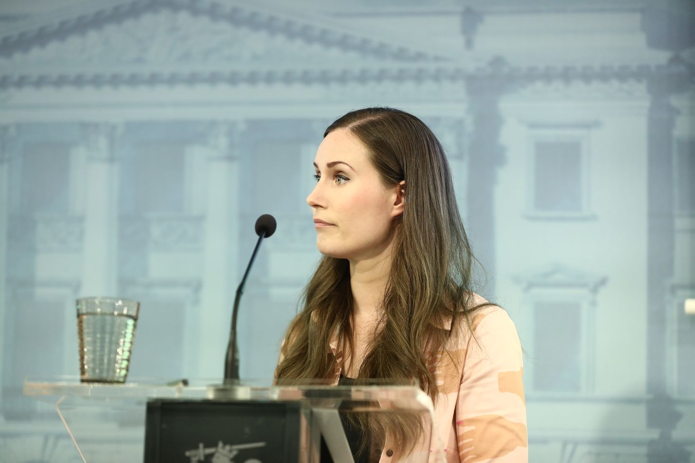 Pääministeri Sanna Marin piti Suomen koronavirus tartuntojen kasvua huolestuttava.