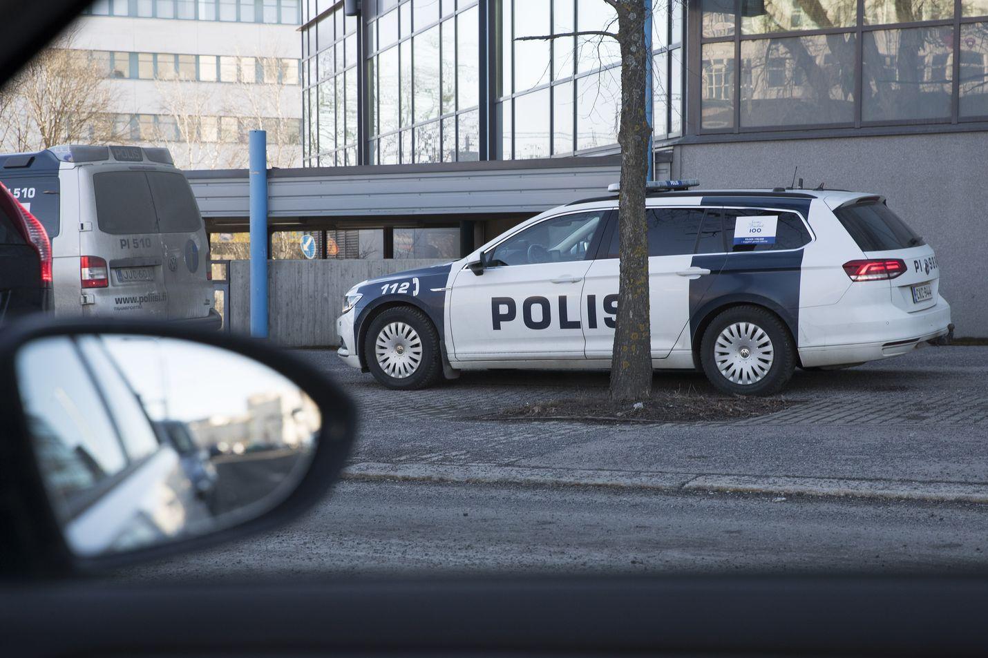 Poliisi pyrkii kohti sähköistä autokantaa. Tekniikka ei kuitenkaan sen mukaan mahdollista operatiivisen kaluston sähköistämistä aivan vielä.