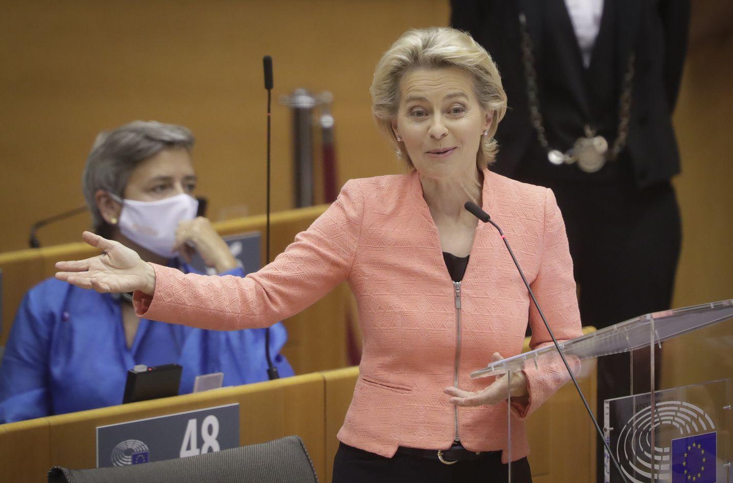EU-komission puheenjohtaja Ursula von der Leyen puhui Euroopan parlamentissa keskiviikkona.