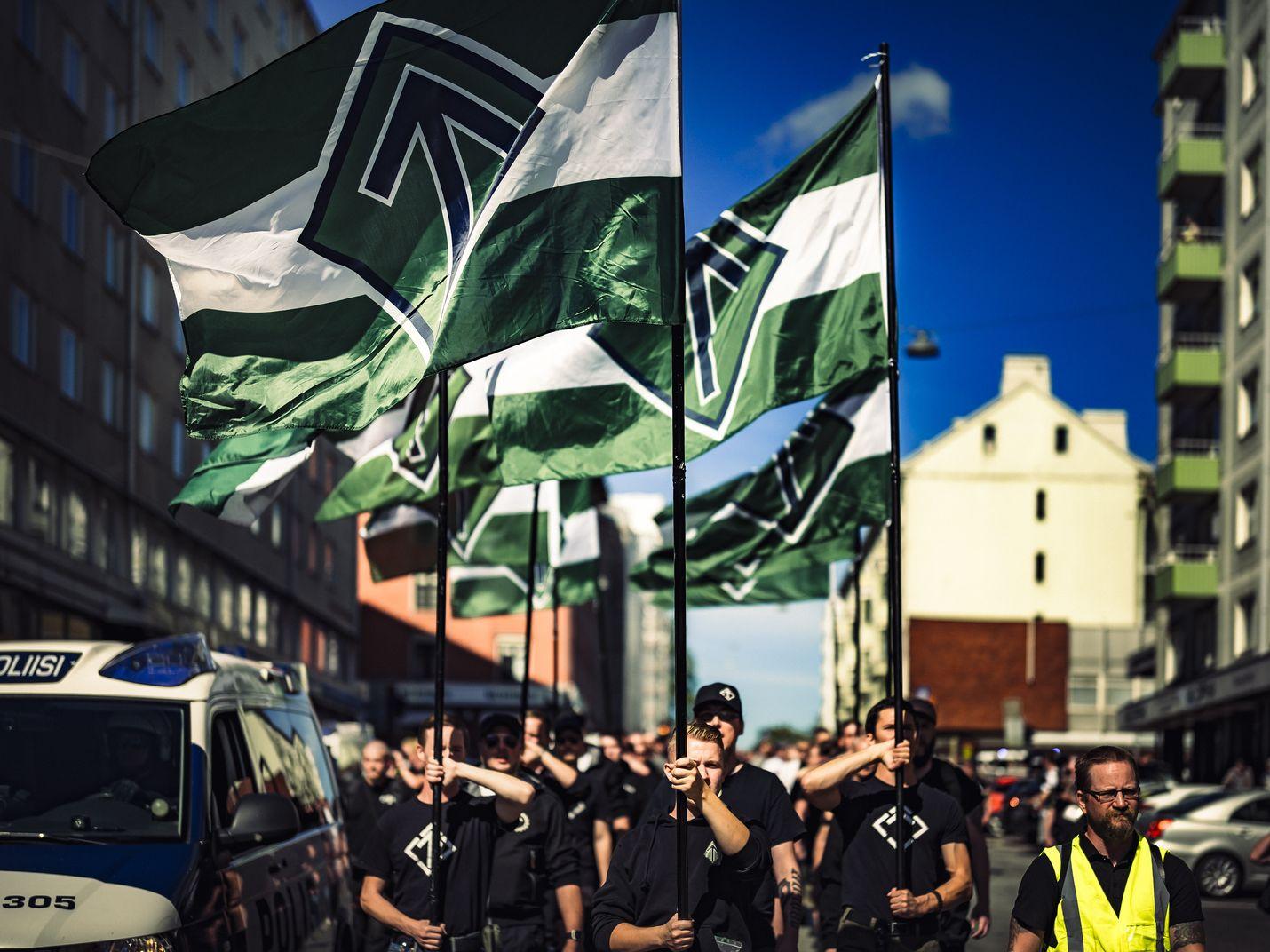 Pohjoismaisen vastarintaliikkeen mielenosoitus terrori-iskun vuosipäivänä Turussa vuonna 2018.