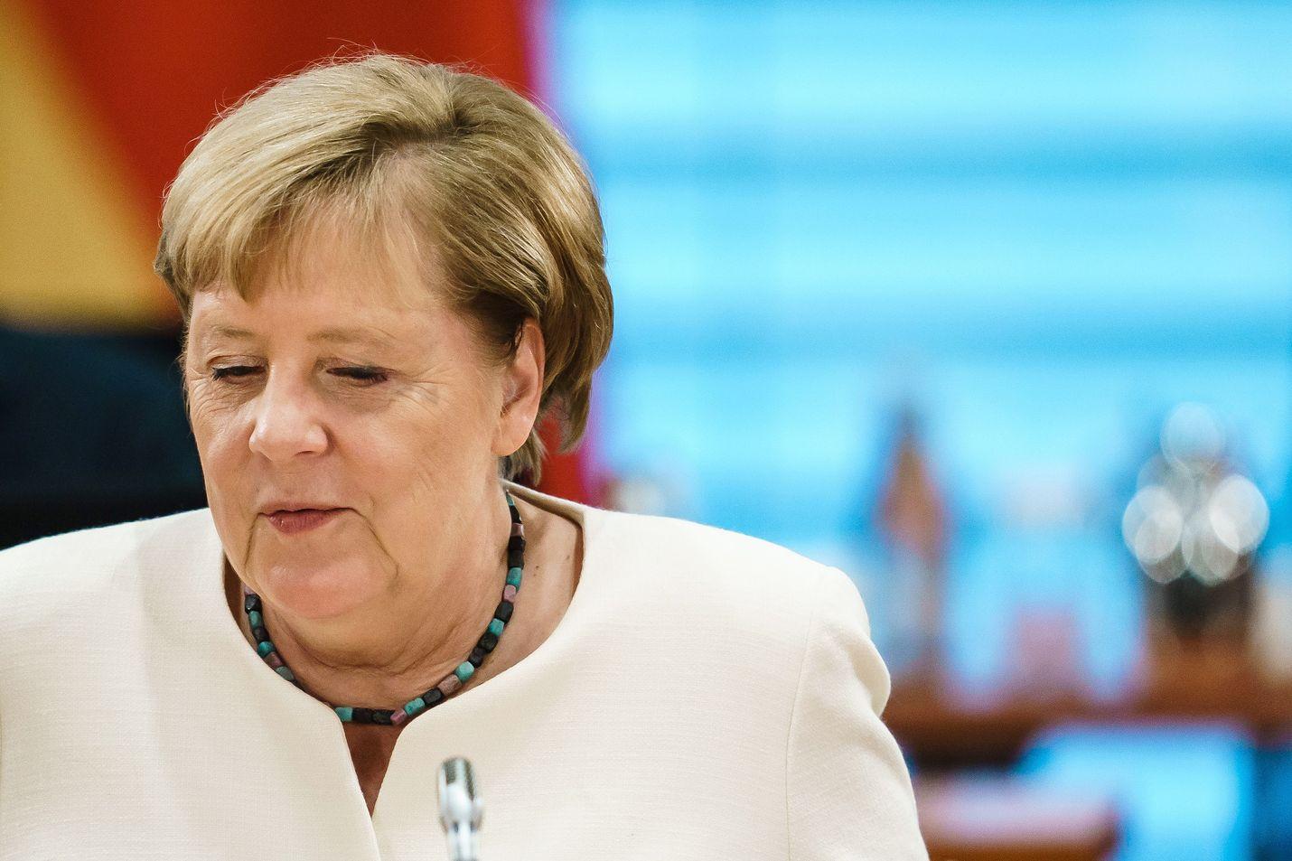 Saksan liittokansleri Angela Merkel tapasi venäläisen oppositiojohtaja Aleksei Navalnyin sairaalassa Berliinissä, kertoi saksalaislehti.