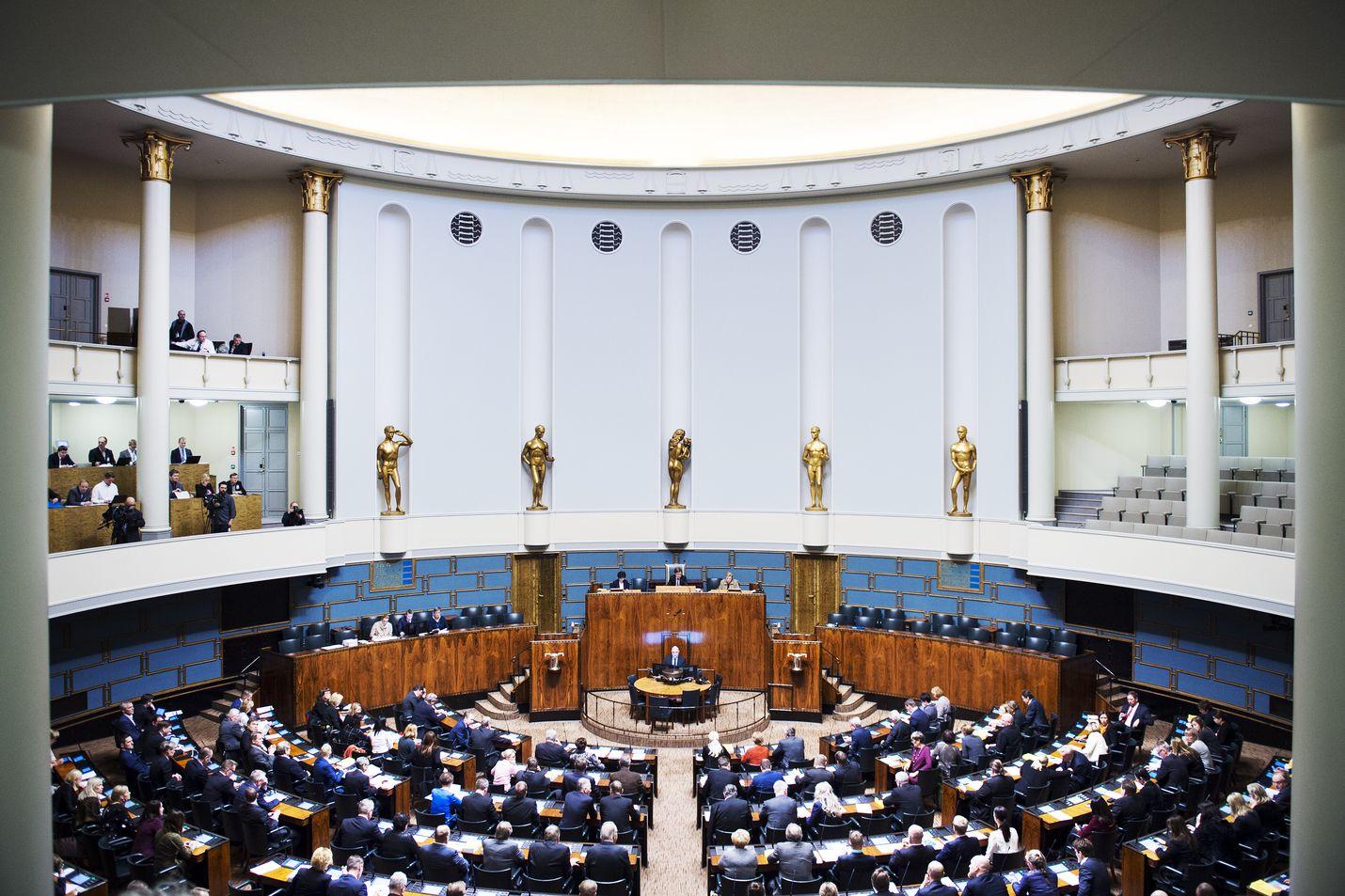 Oikeuskansleri huomauttaa, että valtioneuvoston on huolehdittava eduskunnan osallistumismahdollisuuksista EU-asioissa.