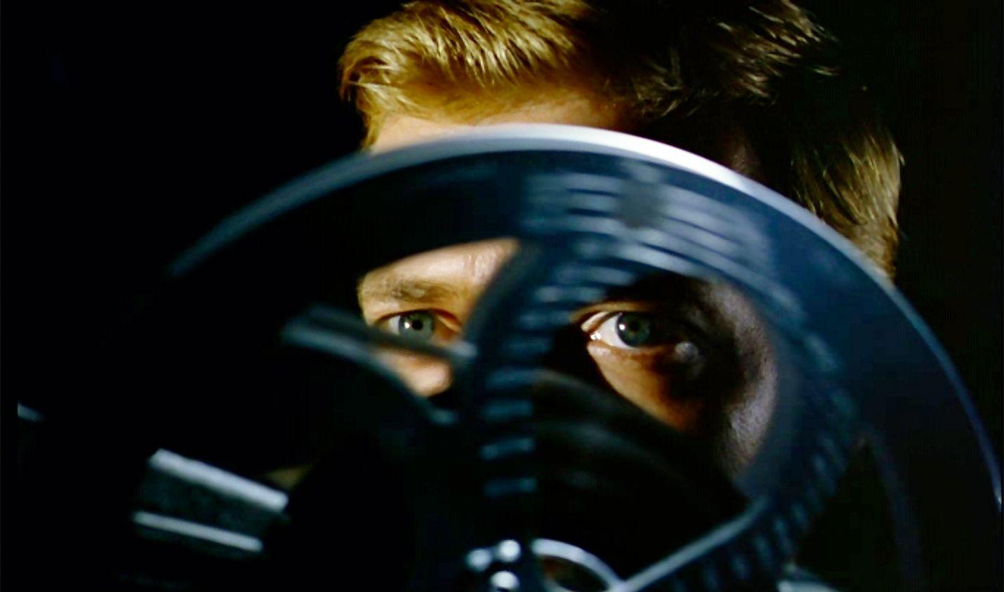 Pelon kasvot kertoo sarjamurhaajasta (Karlheinz Böhm), joka elokuvaajan urasta haaveillessaan filmaa omat rikoksensa.
