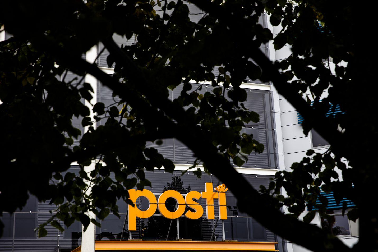 Posti on käynyt kuluvan vuoden aikana jo kolmet yt-neuvottelut. Yhtiön mukaan koronakriisi on vauhdittanut kirjepostin määrän laskua.