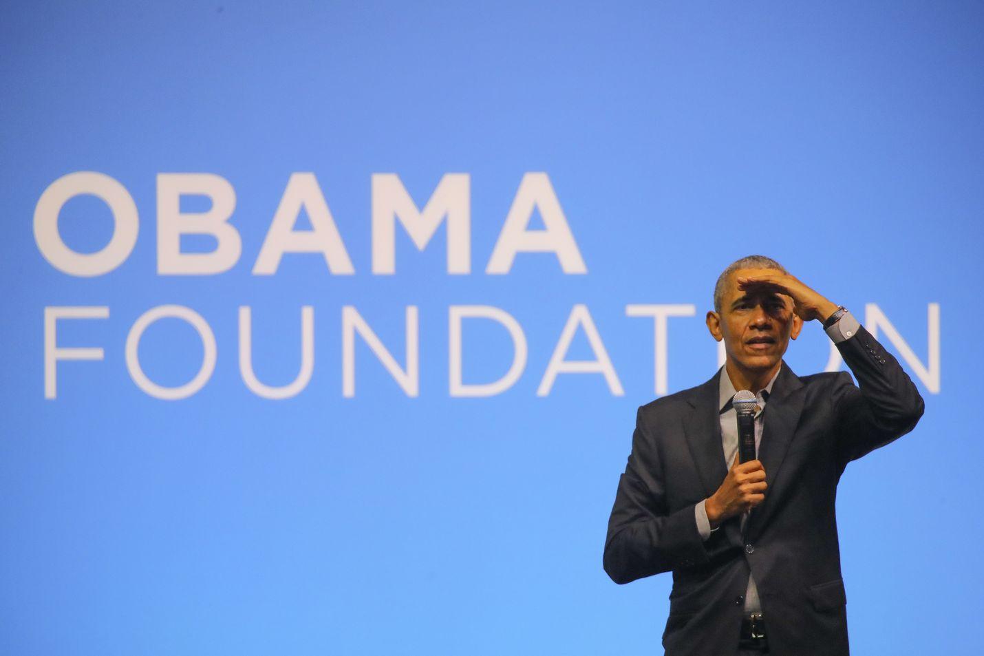 Ex-presidentti Barack Obaman uusi muistelmateos ilmestyy tiistaina. Hänet kuvattiin vuosi sitten Malesiassa Obama-säätiön tapahtumassa.
