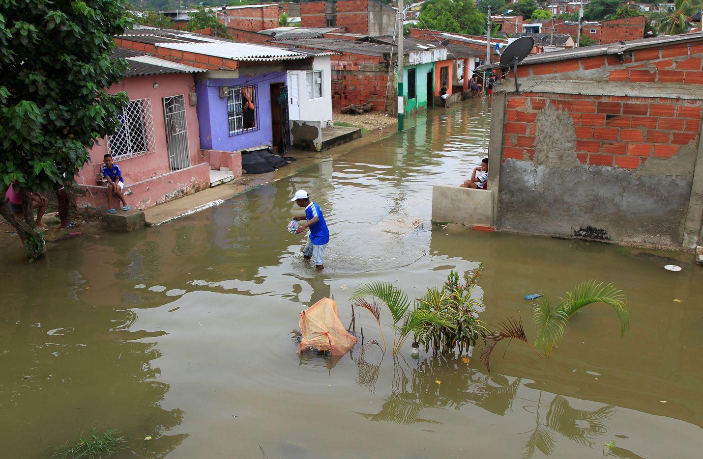 Kolumbian Cartagenassa hurrikaani Iota toi tulvia aiheuttavia sateita jo sunnuntaina.
