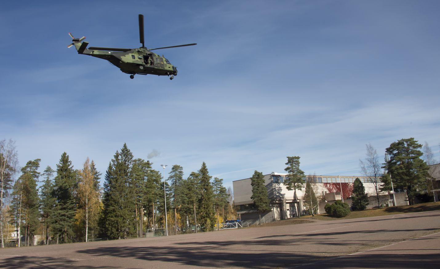 Kirjoittaja ei usko Naton olevan ratkaisu Suomelle. Nato Helicopter 90:ää esiteltiin Suomessa viime vuosikymmenen alkupuolella.