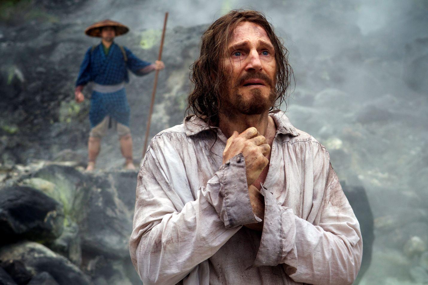 Kaksi jesuiittapappia matkustaa 1600-luvulla Japaniin etsimään oppi-isäänsä (Liam Neeson) ja levittääkseen uskoaan, mutta kohtaavat väkivaltaa ja vainoa.