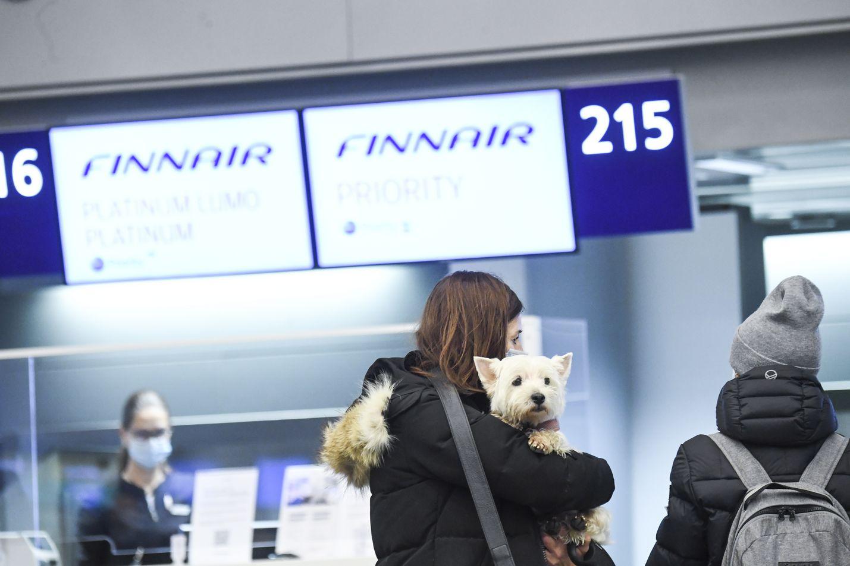 Finnair jatkaa lentoja viidelle maakuntakentälle vielä huhtikuun alkupuolen. Koko ala on ollut alamaissa koronaviruksen seurausten vuoksi.