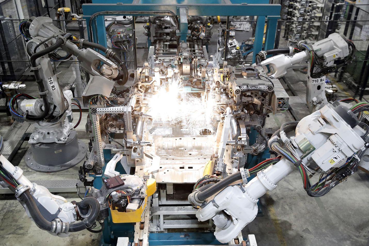 Uudessakaupungissa toimiva Valmet Automotive on yksi vahvasti investoinneista yrityksistä Suomessa.